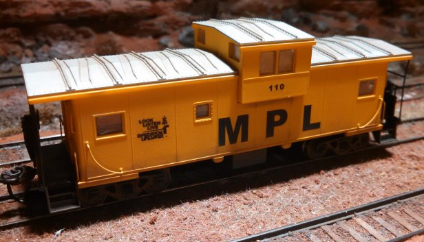 MPL 110 caboose new scheme